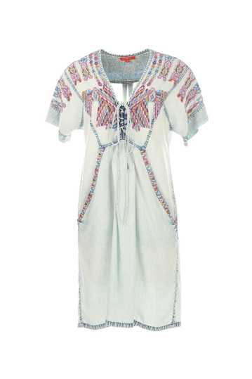 Robe en viscose brodée style ethnique