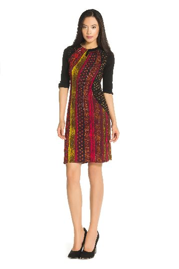 Elbow sleeves dress in printed jersey.